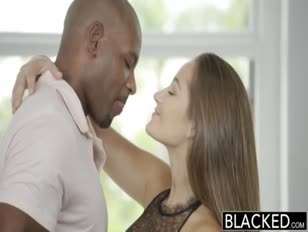Video de mujere lesviana asiendo la tijera con mujere