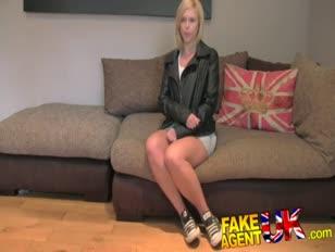 Fakeagentuk british blondie cougar assorbe pipe per soldi