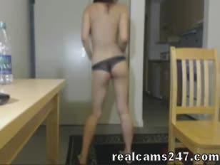 Peloso giovane sesso donna minuta