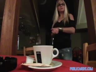 Alicia de masturbazione video di maturità